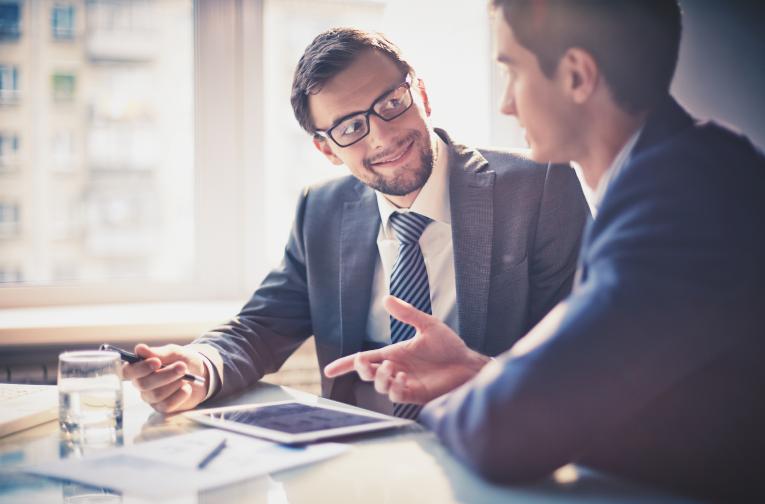 Digitale Technologien können Ihre Vertriebler im B2B-Verkaufsprozess nicht ersetzen